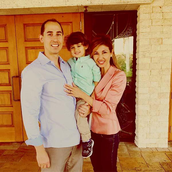 Image of Julie Durda with her husband David Radliff and son Dillon David