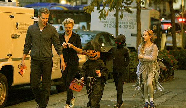 Image of Megyn Kelly, Douglas Brunt and their three children during Halloween