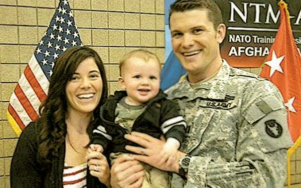 Image of Samantha and Pete Hegseth with their first baby, Gunner Hegseth